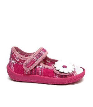 Pearl checkered pink sandals with a flower
