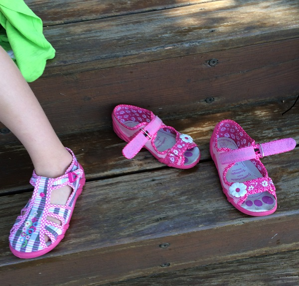 Smelly feet in toddlers