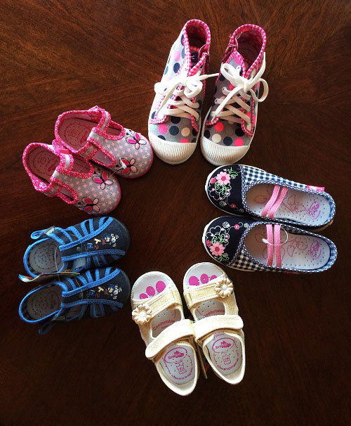 Supportive toddler shoes
